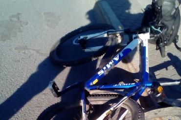 Велосипедиста сбили у моста Александра Невского