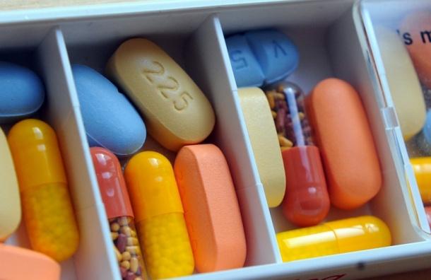 Правительство выделит еще 4 млрд рублей на закупку лекарств от ВИЧ