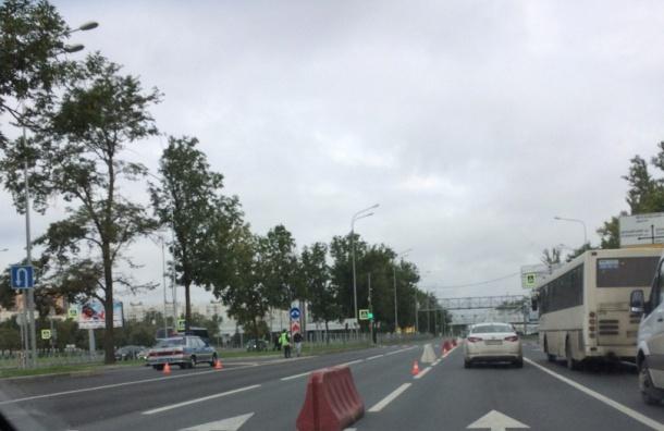 Петербуржцы попадают в пробки из-за бегунов