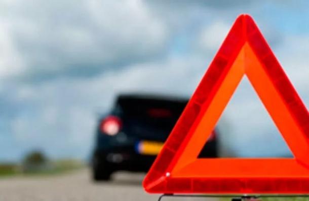 Пешехода трижды сбили на дороге в Ленобласти
