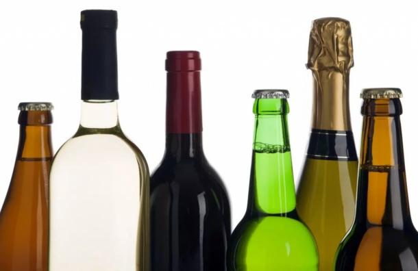 Депутаты ЗакСа хотят поднять уставной капитал для продавцов алкоголя