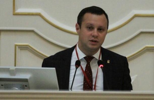 Чиновников будут облагать штрафом за несоблюдение требований депутатов Закса