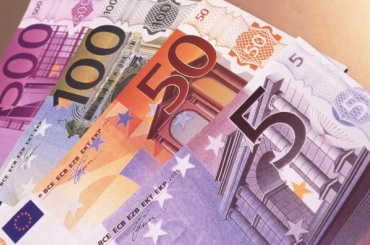 ЦБ установил курсы валют на 15 сентября