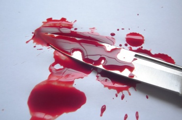 Неизвестный с ножом напал на прохожих в Москве