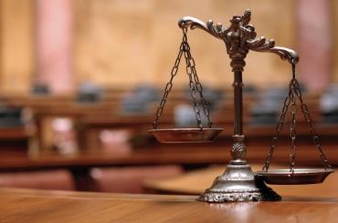 Задержанный за поджог у офиса адвоката режиссера Учителя признал вину