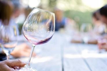 Минздрав хочет сократить употребление спирта в РФ до 8 литров в год