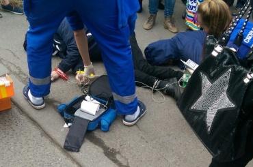 Трое мужчин в Купчино потеряли сознание: один скончался