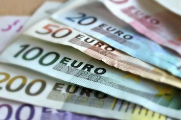 Евро растет на Московской бирже