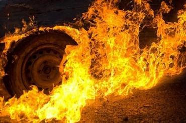 Иномарки горели ночью на Белорусской улице