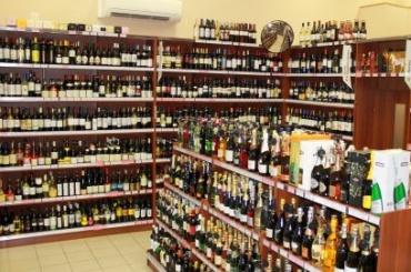 Петербургский алкомаркет наказали занедоступность для людей
