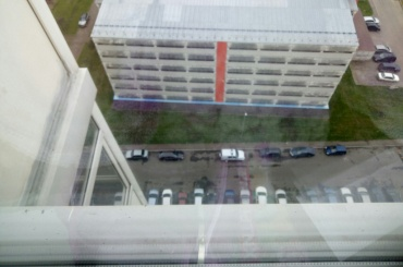 Молодой человек выпал из окна на проспекте Героев