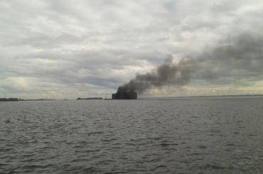 Чумной форт горел в Петербурге