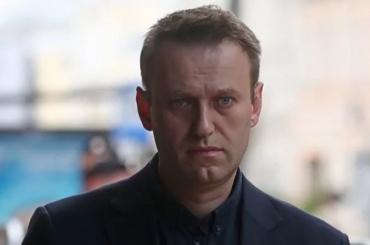 Навальный будет судиться со Смольным