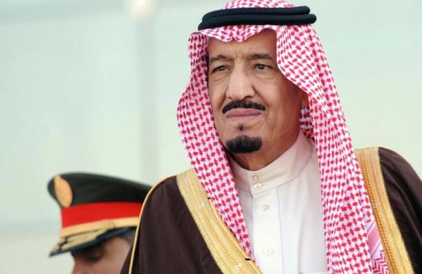 Трап-эскалатор сломался у прибывшего в Москву самолета короля Саудовской Аравии
