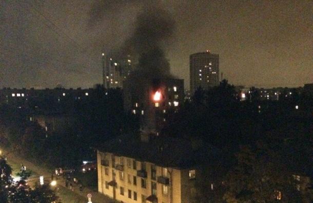 Огонь уничтожил двухкомнатную квартиру в Кировском районе