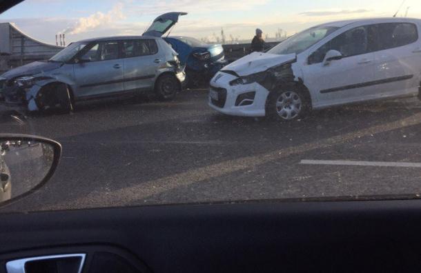 Семь машин столкнулись на ЗСД