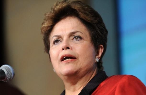 Руссеф расскажет в Петербурге о смещении с поста президента Бразилии