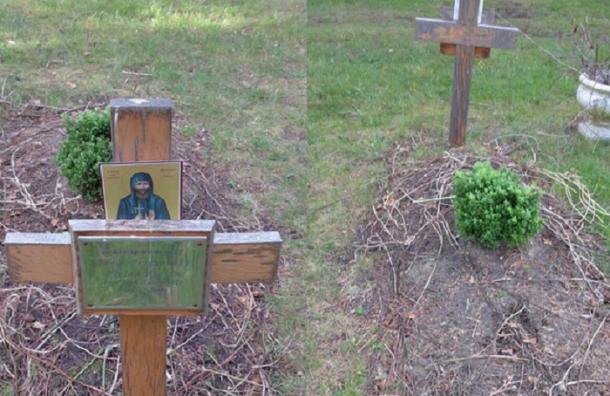 Венедиктов показал неухоженную могилу Березовского