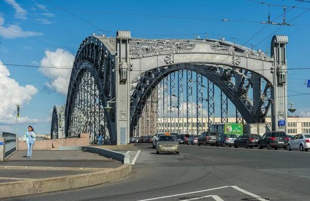 Реверс на Большеохтинском мосту запустят до нового года