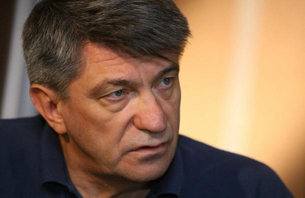Сокурова вынудили покинуть парламент Петербурга