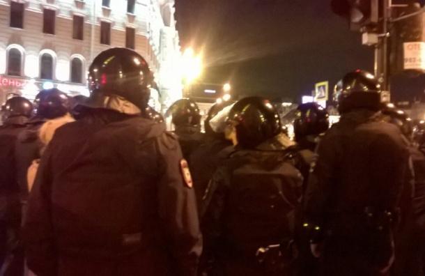 Задержанных демострантов обвиняют в нарушении ПДД