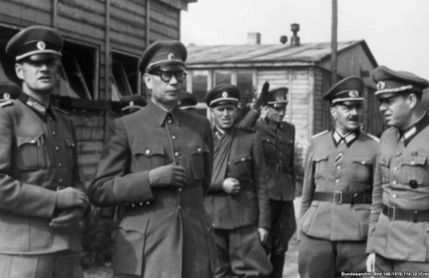 Петербургского историка лишили ученой степени за диссертацию о власовцах