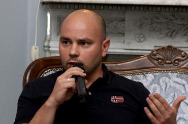 Полиция пыталась задержать Андрея Пивоварова
