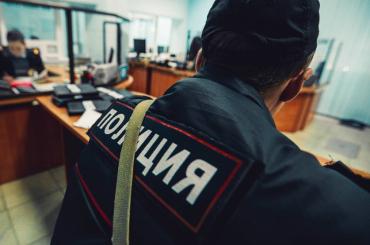 Таксист наехал на полицейского в Домодедово