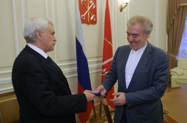Гергиеву вручили знак отличия «Зазаслуги перед Санкт-Петербургом»