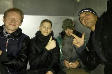 Протестовавших на Дворцовой посадили под арест