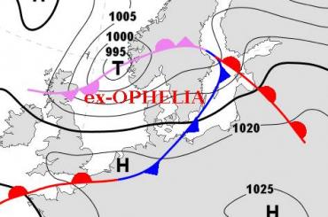 Главный синоптик Петербурга просит не беспокоиться из-за урагана «Офелия»