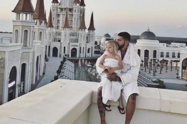 Рэпер Тимати делает перерыв в карьере ради дочери