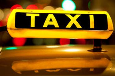 Пятеро пассажиров такси в Мурино схватились за пистолеты