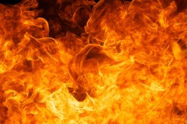 Пожар вКрасногвардейском районе тушили 16 человек