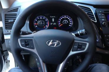 Завод Hyundai подарит три иномарки петербургским студентам
