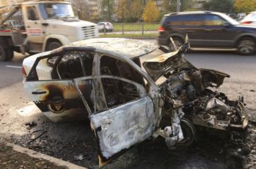 Иномарка загорелась после ДТП во Фрунзенском районе