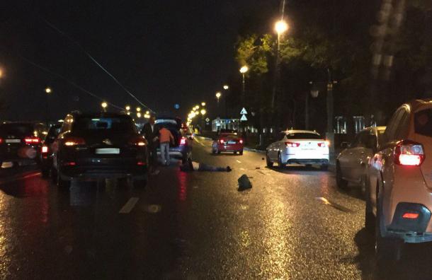 Пешехода сбил автомобиль наКаменноостровском