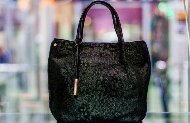 Маршрутчик вернул забытую сумку со100 тысячами рублей