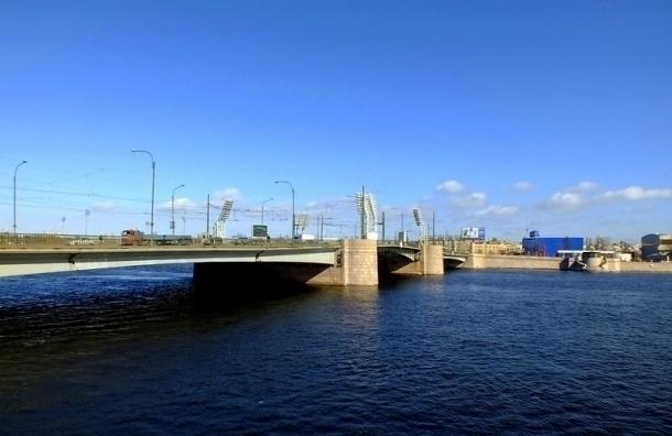 Ремонт Тучкова моста вПетербурге завершен на95%