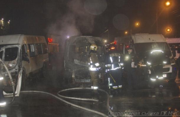 Массовый пожар вавтосалоне признали поджогом