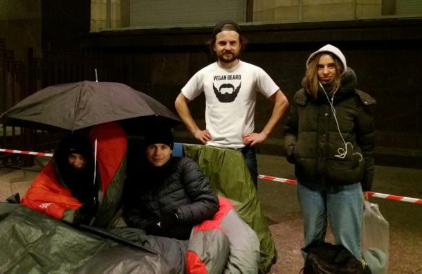 Зоозащитники начали бессрочную голодовку около здания Государственной думы