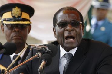 Военные арестовали президента Зимбабве Роберта Мугабе