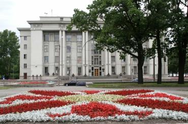 Невский район потратит 1,6 млн накнигу тиражом 600 экземпляров