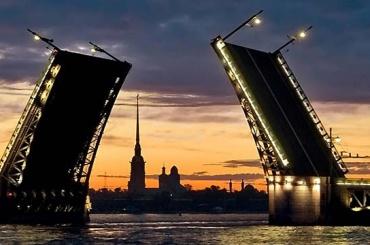 Глава поразвитию туризма назвал имидж Петербурга устаревшим