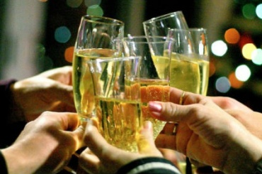 Шампанское подорожает на15% кНовому году