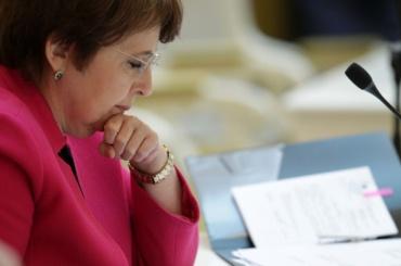 Дмитриева вновь обвинила Комитет финансов внекомпетентности