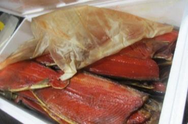 Копченый лосось икорюшка прибыли вПулково снарушением режима температуры