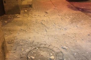 Штукатурка обрушилась наХерсонской улице вПетербурге