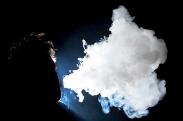 Эксперты нехотят приравнивать электронные сигареты кобычным