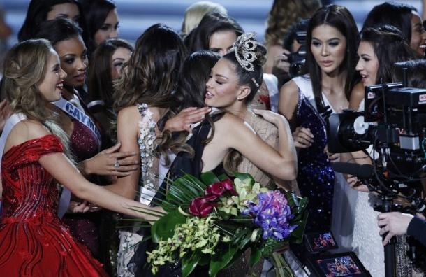 Корона «Мисс Вселенная-2017» досталась девушке изЮАР